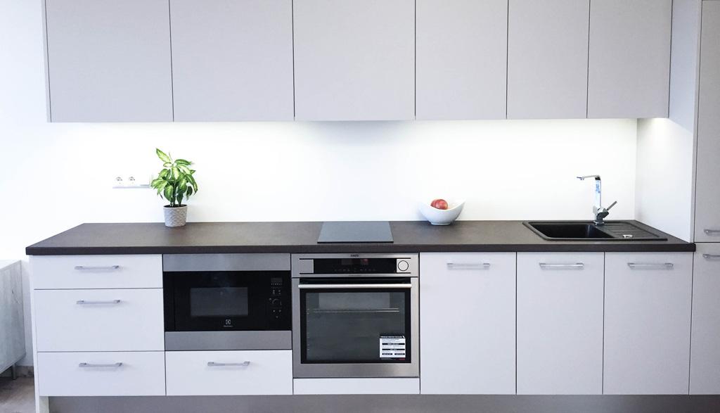 Mazas virtuves dizains studio tipa dzīvoklī | Albero Mēbeleskts mēbeļu projekts studio tipa dzīvoklī 2