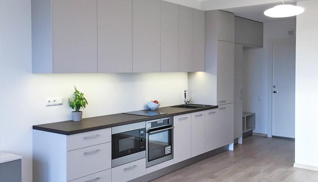 mazas virtuves dizains studio tipa dzīvoklī | Albero Mēbeles