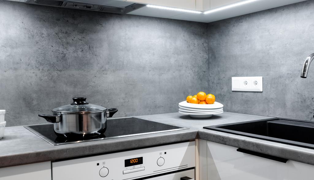 Virtuves iekārta industriālā dzīvoklī | Albero Mēbeles