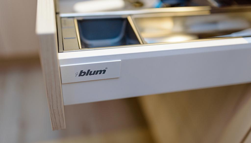 Blum furnitūra virtuves mēbelēs pēc pasūtījuma | Albero Mēbeles