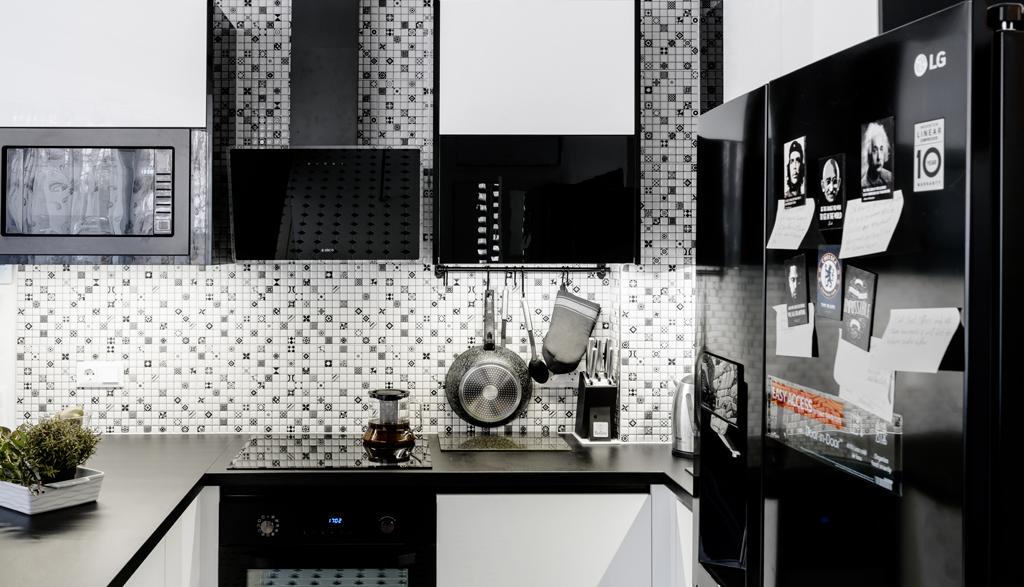 Melnbalts virtuves dizains | Albero Mēbeles