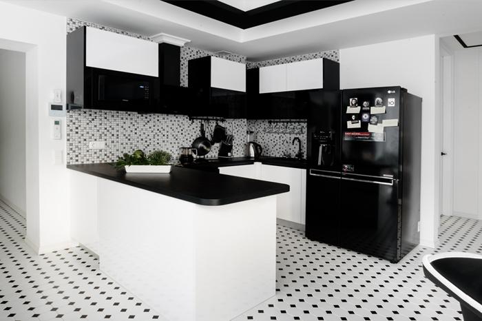 Melnbaltā virtuves iekārta | Albero Mēbeles