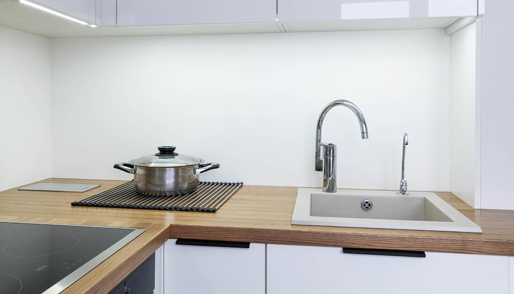 Albero Mēbeles | Virtuves  skapīši un masīvkoka virsma