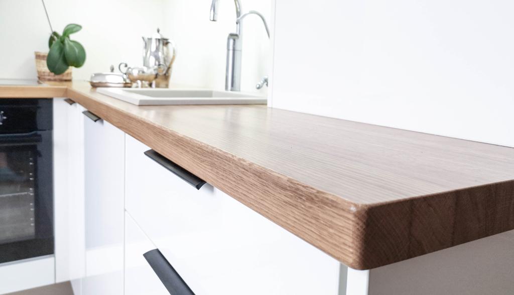 Albero Mēbeles | Masīvkoka virsma virtuvē