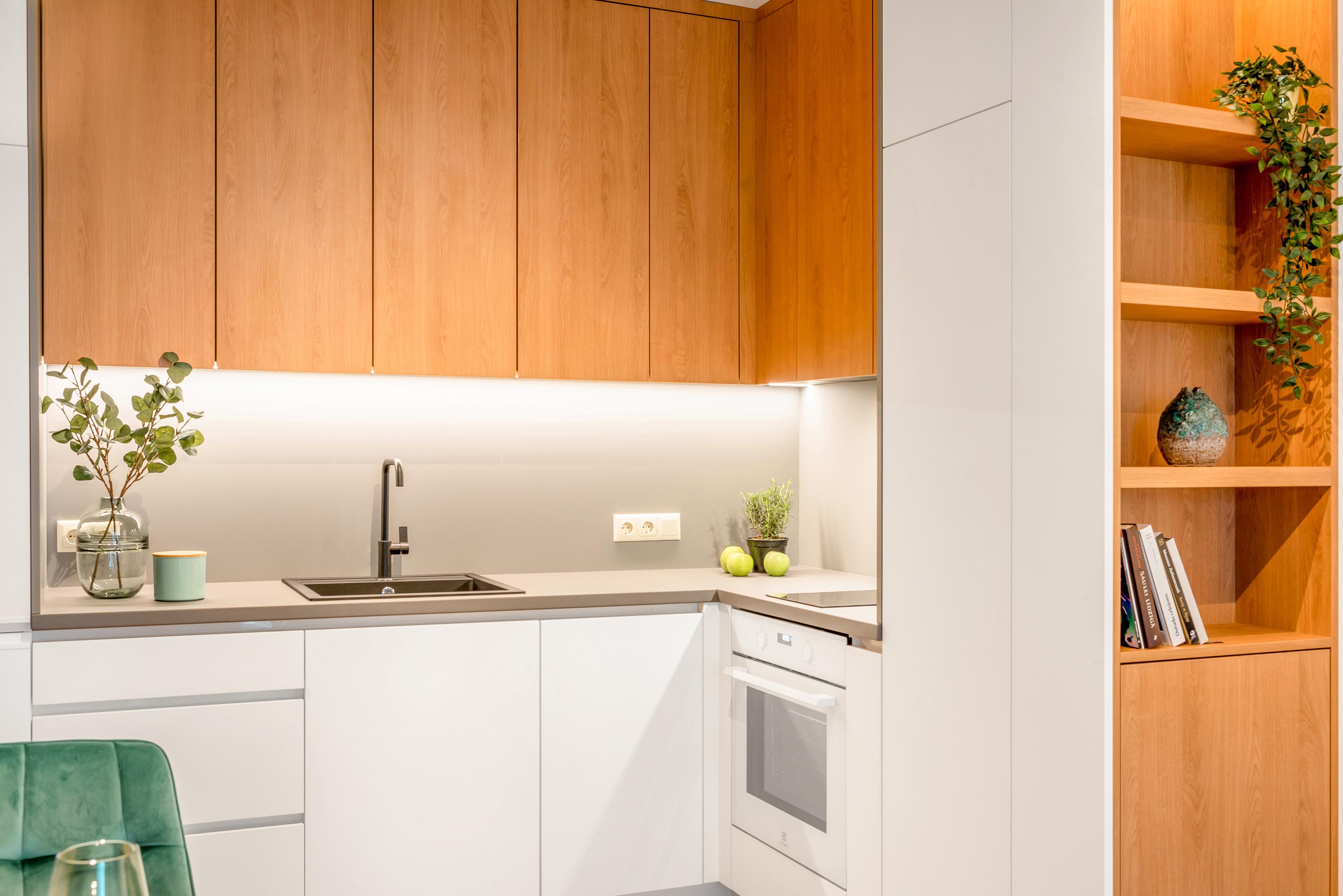 Virtuves pēc individuāla pasūtījuma - Alberomebeles.lv