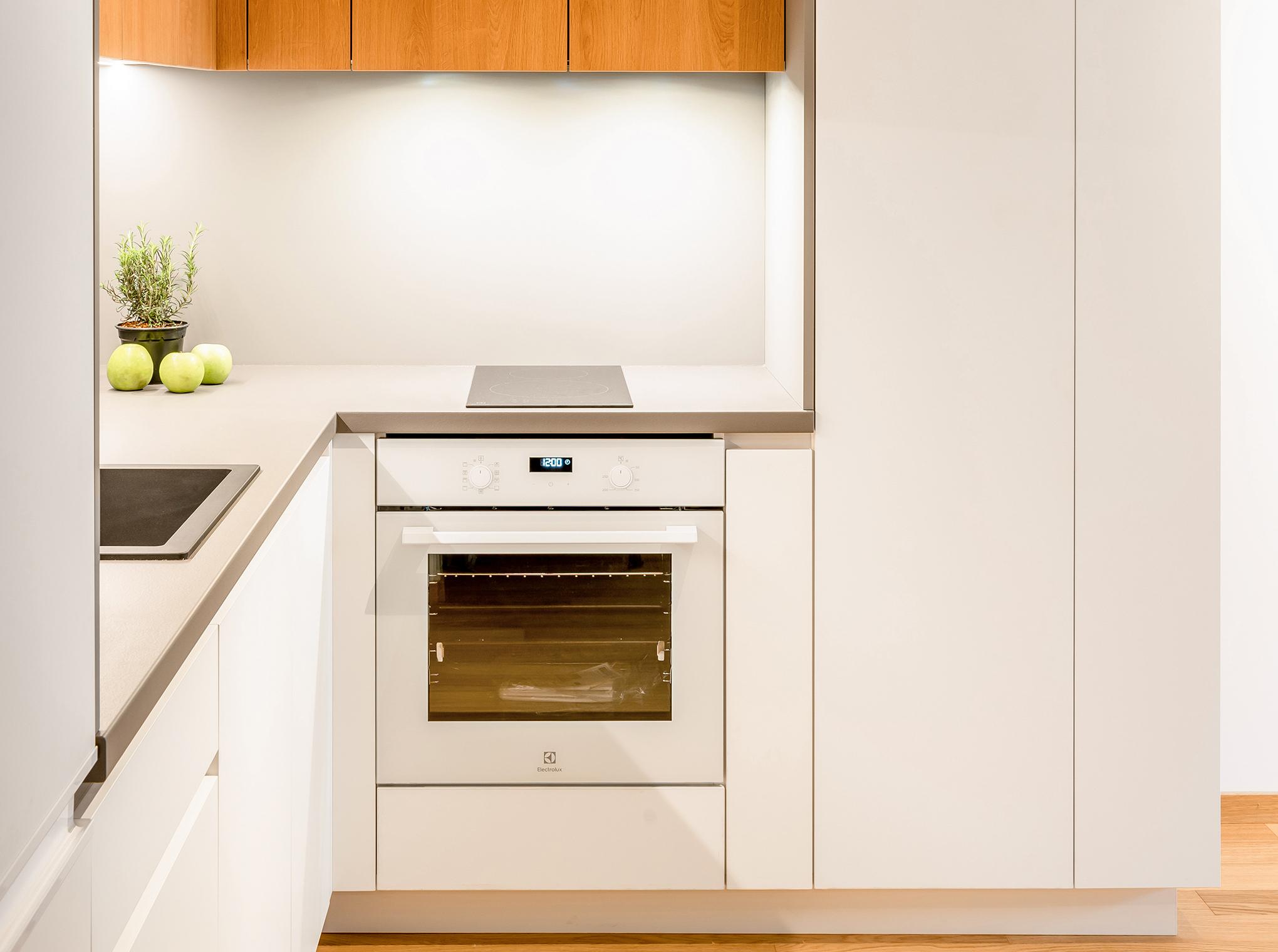 Balta virtuves tehnika - Alberomebeles.lv