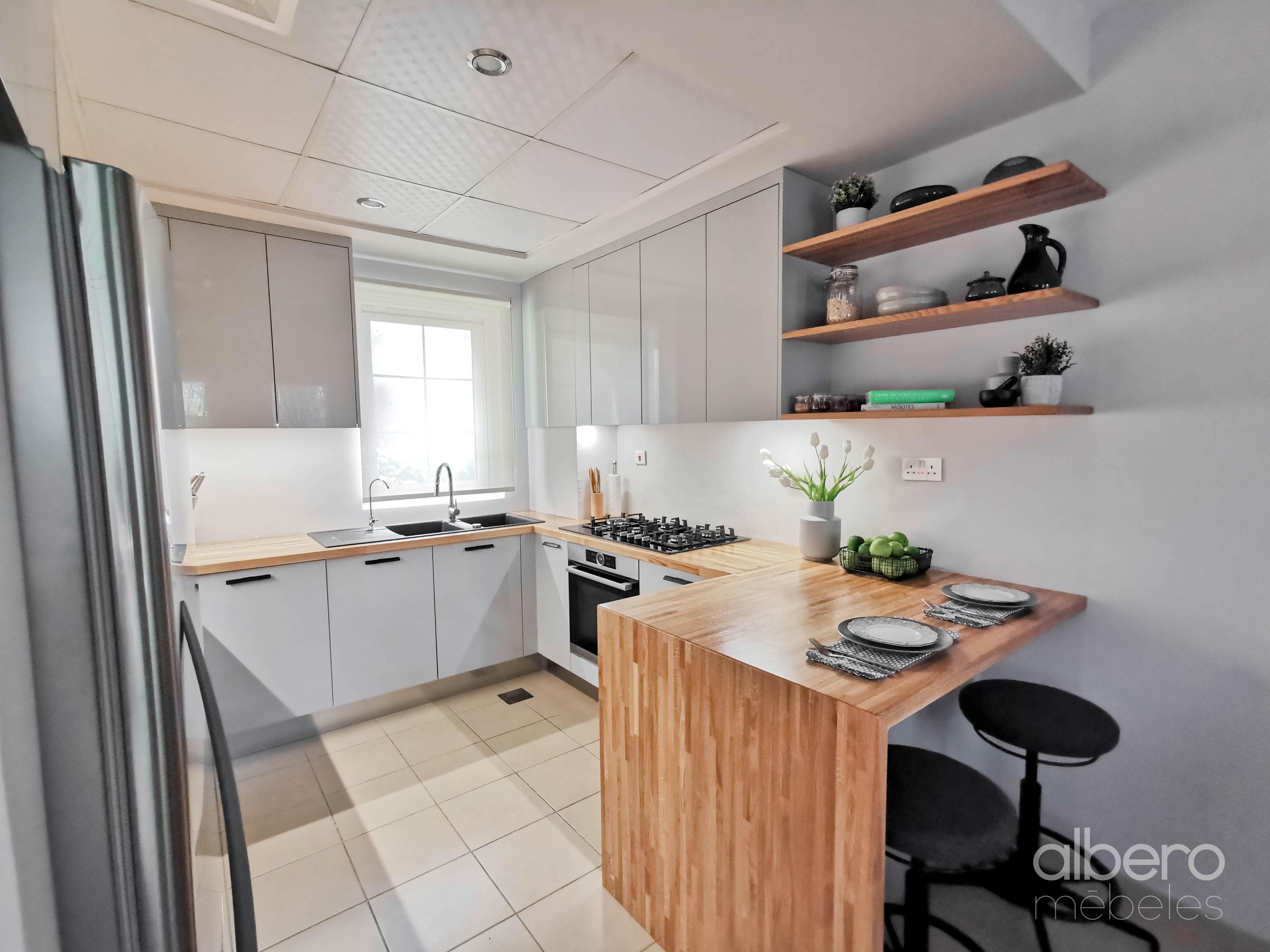 U virtuves dizains  | alberomebeles.lv